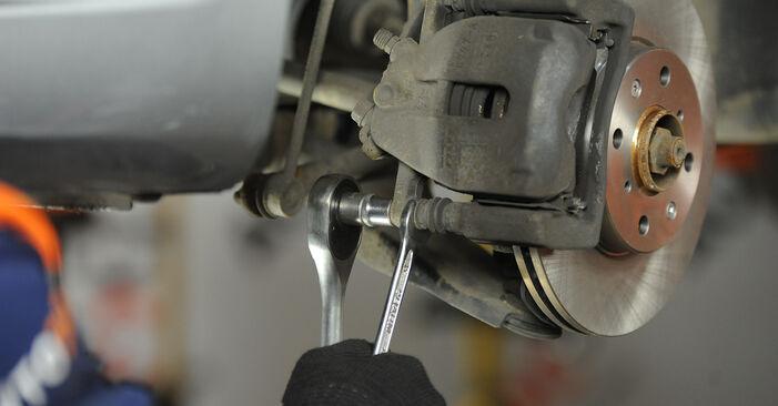 Bremsbeläge am SUZUKI SWIFT III (MZ, EZ) 1.3 (RS413) 2010 wechseln – Laden Sie sich PDF-Handbücher und Videoanleitungen herunter