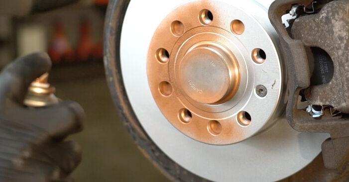 Wie man SKODA OCTAVIA Combi (1Z5) 1.9 TDI 2005 Bremsbeläge austauscht - Schritt-für-Schritt-Tutorials und Videoanleitungen
