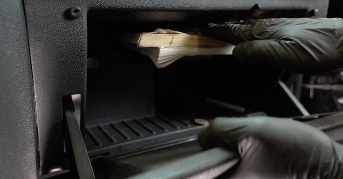 Innenraumfilter Opel Corsa D 1.4 (L08, L68) 2008 wechseln: Kostenlose Reparaturhandbücher