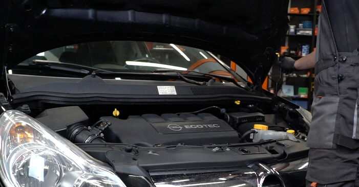 Как се сменя Спирачни Накладки на Opel Corsa D 2006 - безплатни PDF и видео уроци