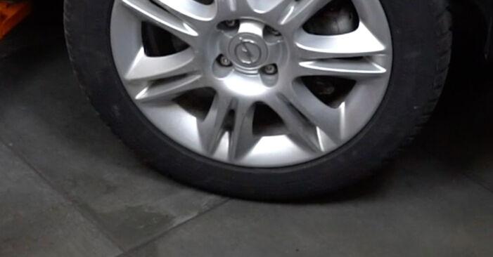 Колко време отнема смяната: Спирачни Накладки на Opel Corsa D 2014 - информативен PDF наръчник