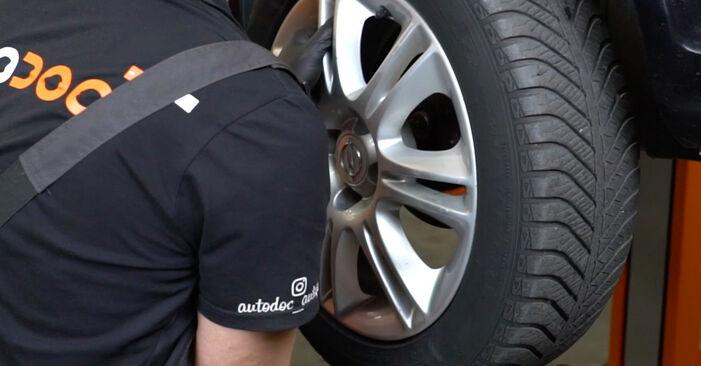 Не е трудно да го направим сами: смяна на Спирачни Накладки на Opel Corsa D 1.4 (L08, L68) 2012 - свали илюстрирано ръководство