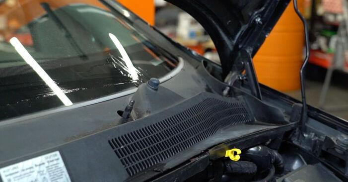 Så svårt är det att göra själv: Byt Fjädrar på Opel Corsa D 1.4 (L08, L68) 2012 – ladda ned illustrerad guide