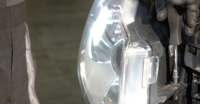 Svojpomocná výmena OPEL Corsa D Hatchback (S07) 1.4 (L08, L68) 2011 Hlavný svetlomet – online tutoriál