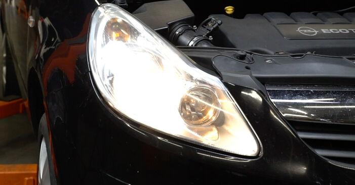 Ako vymeniť OPEL Corsa D Hatchback (S07) 1.3 CDTI (L08, L68) 2007 Hlavný svetlomet – návody a video tutoriály krok po kroku.