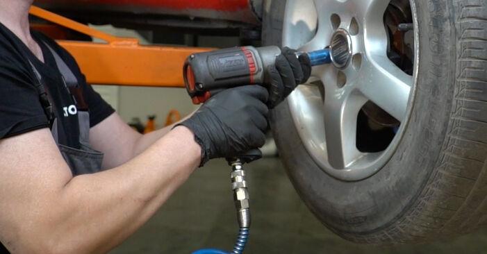 Wie schwer ist es, selbst zu reparieren: Spurstangenkopf Seat Ibiza 6l1 1.9 TDI 2008 Tausch - Downloaden Sie sich illustrierte Anleitungen
