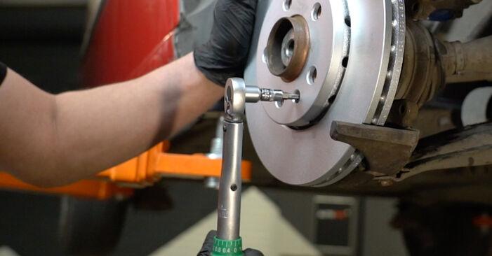 Sustitución de Discos de Freno en un Seat Ibiza 6l1 1.4 16V 2004: manuales de taller gratuitos