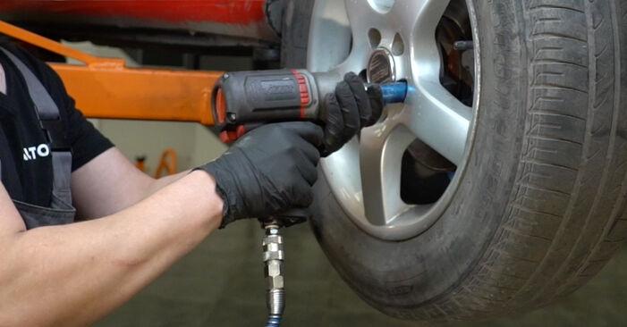 Wie schwer ist es, selbst zu reparieren: Bremsbeläge Seat Ibiza 6l1 1.9 TDI 2008 Tausch - Downloaden Sie sich illustrierte Anleitungen