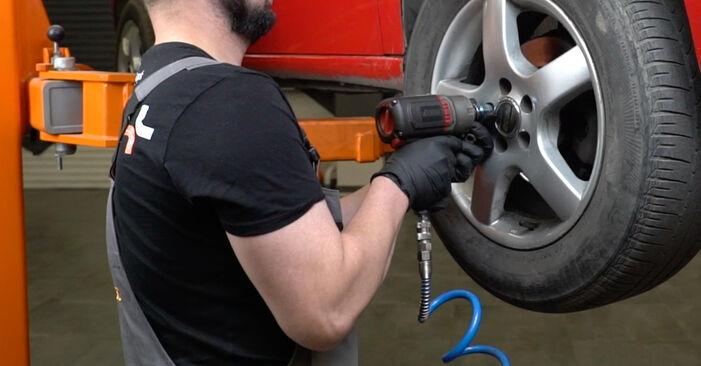 Federn beim SEAT IBIZA 1.4 16V 2009 selber erneuern - DIY-Manual