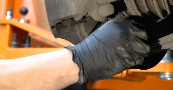 Domlager beim SEAT IBIZA 1.4 16V 2009 selber erneuern - DIY-Manual