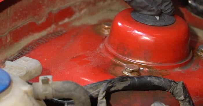 Austauschen Anleitung Domlager am Seat Ibiza 6l1 2004 1.9 TDI selbst