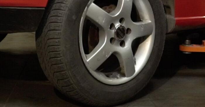 Quanto è difficile il fai da te: sostituzione Supporto Ammortizzatore su Seat Ibiza 6l1 1.9 TDI 2008 - scarica la guida illustrata