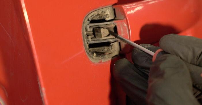 Kako zamenjati SEAT Ibiza III Hatchback (6L) 1.9 TDI 2003 Kljucavnice zunaj - priročniki s koraki in video vodniki