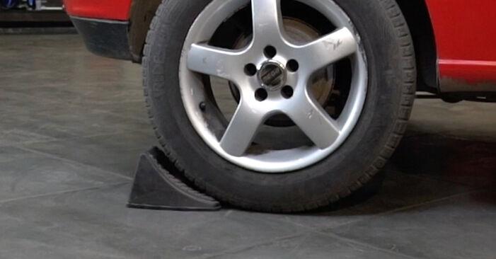 Kako zamenjati Kolesni lezaj na Seat Ibiza 6l1 2002 - brezplačni PDF in video priročniki