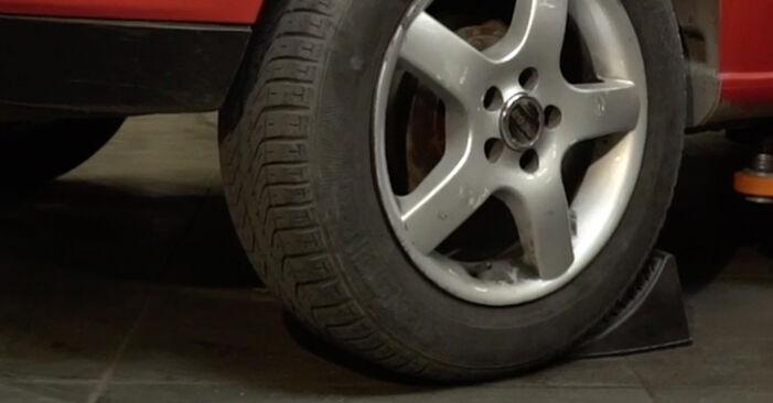 Ibiza III Hatchback (6L) 1.4 TDI 2005 Kolesni lezaj DIY menjava, priročnik delavnice