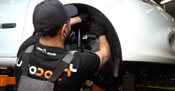Comment retirer RENAULT CLIO 1.2 16V Hi-Flex 2009 Filtre à Carburant - instructions en ligne faciles à suivre