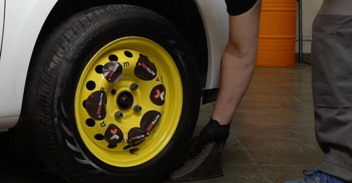 Wechseln Bremsscheiben am RENAULT Clio III Schrägheck (BR0/1, CR0/1) 2.0 16V Sport (CR0N, CR1P) 2008 selber