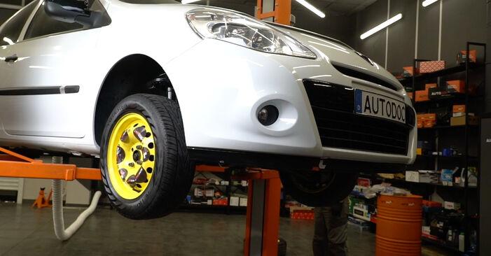 Bremsbeläge beim RENAULT CLIO 1.4 16V 2012 selber erneuern - DIY-Manual