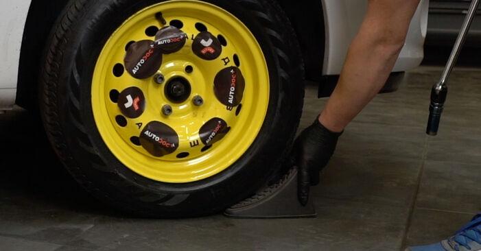 Bremsbeläge Renault Clio 3 1.4 16V 2007 wechseln: Kostenlose Reparaturhandbücher