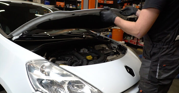 How to change Wiper Motor on Renault Clio 3 2005 - free PDF and video manuals