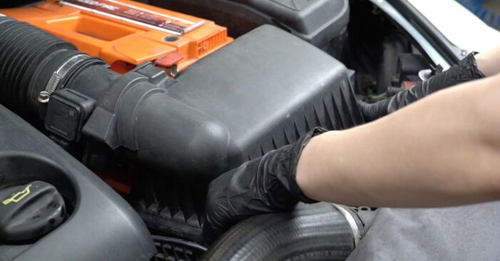 PEUGEOT 307 1.4 16V Air Filter replacement: online guides and video tutorials