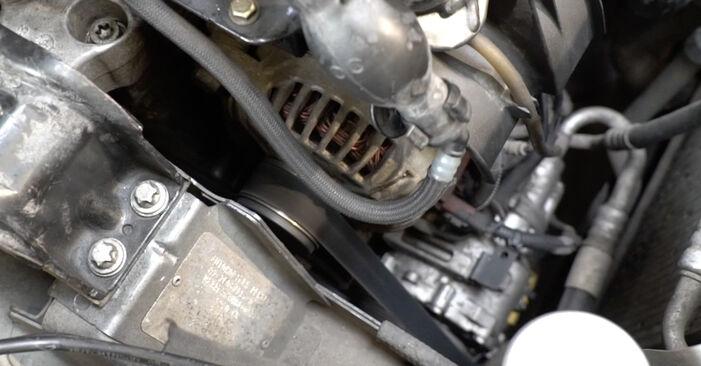 Remplacer Courroie Trapézoïdale à Nervures sur Peugeot 307 SW 2010 1.6 HDI 110 par vous-même