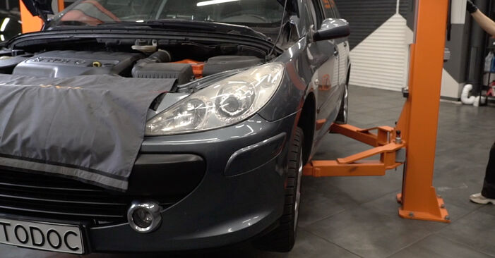 How to replace PEUGEOT 307 SW (3H) 1.6 HDI 110 2001 Anti Roll Bar Links - step-by-step manuals and video guides