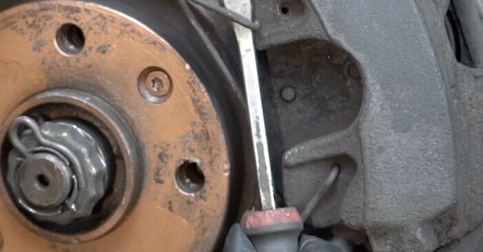 Svojpomocná výmena Brzdový kotouč na aute Peugeot 307 SW 2010 1.6 HDI 110