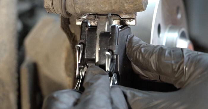 Wechseln Radlager am PEUGEOT 307 SW (3H) 2.0 16V 2003 selber