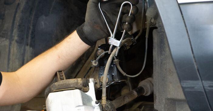Hoe moeilijk is doe-het-zelf: Remklauw wisselen Nissan Qashqai j10 2.0 Allrad 2012 – download geïllustreerde instructies
