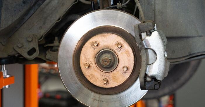 Hoe lang duurt het wisselen van Remklauw Nissan Qashqai j10 2006 – informatieve pdf-gebruiksaanwijzing