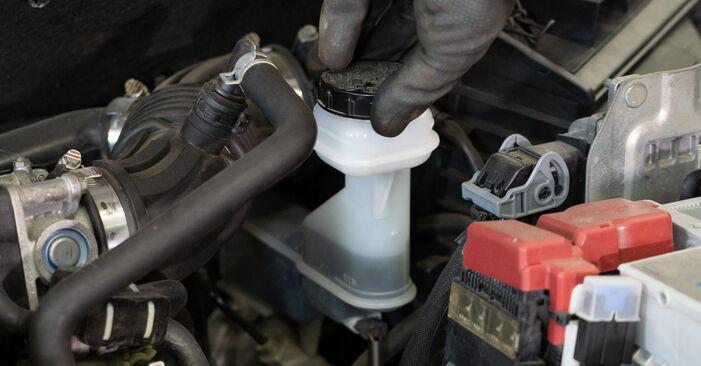 Stap voor stap tips om Nissan Qashqai j10 2011 1.6 dCi Remklauw zelf te wisselen