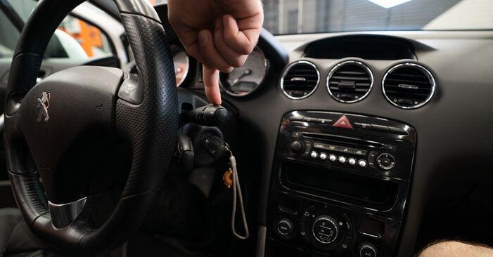 Wie Scheibenwischer beim Peugeot 308 I 2007 gewechselt werden - Unentgeltliche PDF- und Videoanweisungen