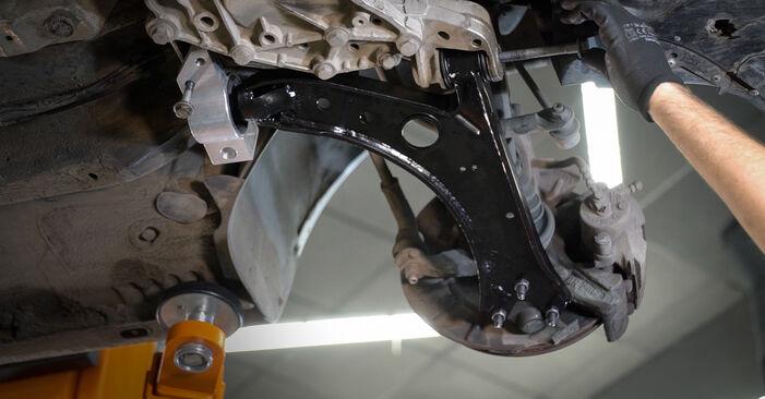 Tausch Tutorial Querlenker am VW Caddy III Kombi (2KB, 2KJ, 2CB, 2CJ) 2004 wechselt - Tipps und Tricks