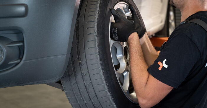 Querlenker am VW Caddy III Kombi (2KB, 2KJ, 2CB, 2CJ) 2.0 TDI 2009 wechseln – Laden Sie sich PDF-Handbücher und Videoanleitungen herunter