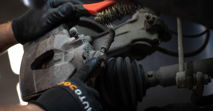 Manualul de înlocuire pas cu pas VW CADDY 2011 Etrier frana