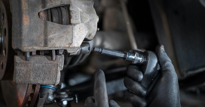 How to change Brake Calipers on VW Caddy III Estate (2KB, 2KJ, 2CB, 2CJ) 2004 - tips and tricks