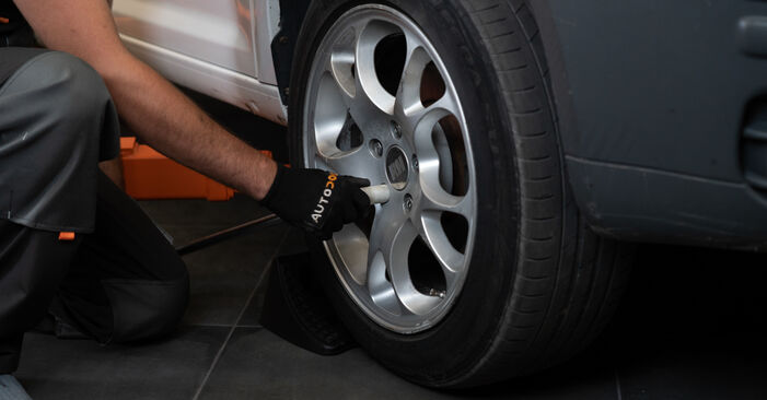 How to replace VW Caddy III Estate (2KB, 2KJ, 2CB, 2CJ) 1.9 TDI 2005 Brake Calipers - step-by-step manuals and video guides