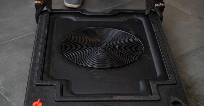 Cât de greu este să o faceți singur: înlocuirea Etrier frana la VW Caddy 3 2.0 SDI 2010 - descărcați ghidul ilustrat