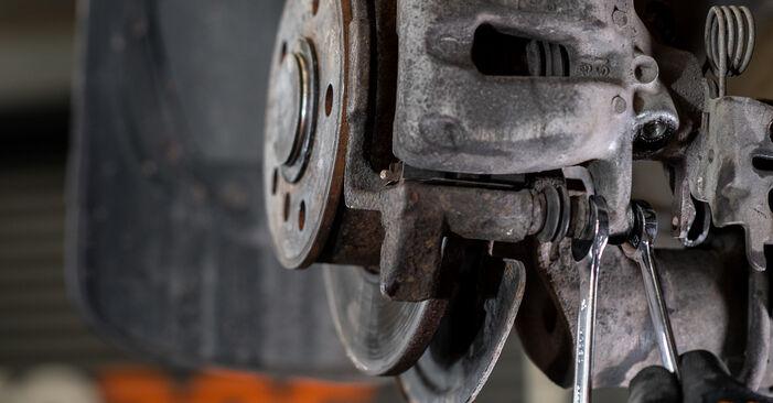 Schritt-für-Schritt-Anleitung zum selbstständigen Wechsel von VW Caddy 3 kasten 2005 1.6 Bremssattel