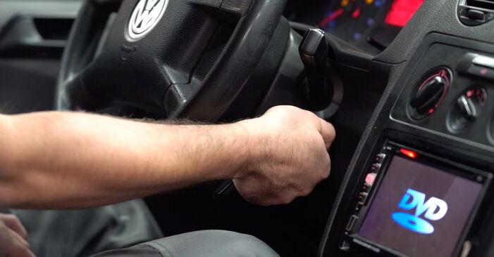 Schritt-für-Schritt-Anleitung zum selbstständigen Wechsel von VW Caddy 3 2005 2.0 TDI 16V Kraftstofffilter