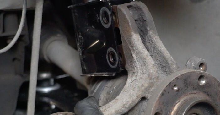 How to change Wheel Bearing on Peugeot 307 SW 2000 - free PDF and video manuals