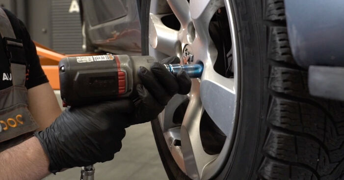 Changing Wheel Bearing on PEUGEOT 307 SW (3H) 2.0 16V 2003 by yourself