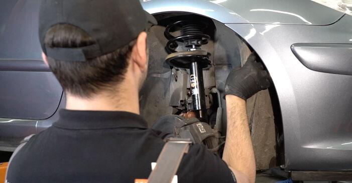 Byt Vattenpumpar + Kamremssats på Peugeot 307 SW 2010 1.6 HDI 110 på egen hand