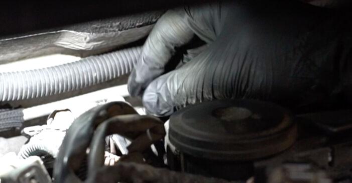 Hoe moeilijk is doe-het-zelf: Waterpomp + Distributieriem Set wisselen Peugeot 307 SW 1.6 HDI 90 2006 – download geïllustreerde instructies