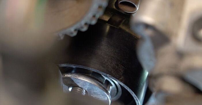 Så byter du Vattenpumpar + Kamremssats på PEUGEOT 307 SW (3H) 2012 – tips och tricks