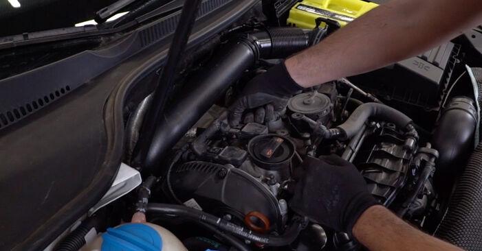 Wechseln Sie Zündkerzen beim VW GOLF VI (5K1) 2.0 GTi 2006 selbst aus
