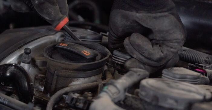 Cómo reemplazar Bujía de Encendido en un VW GOLF VI (5K1) 2008: descargue manuales en PDF e instrucciones en video