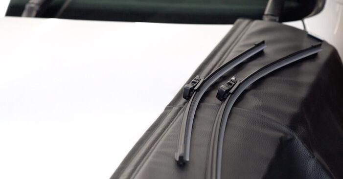 Golf 6 2.0 TDI 2005 Wiper Blades replacement: free workshop manuals