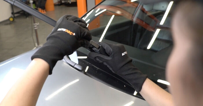 How to remove AUDI A4 2.0 2008 Wiper Blades - online easy-to-follow instructions